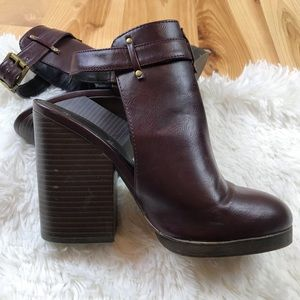 Forever 21 Chunky Heel Bootie
